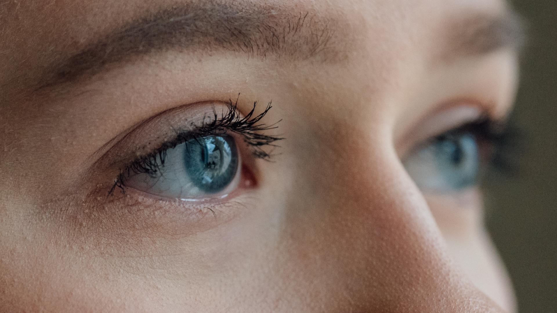 Silmien rakennekuvaus OCT-kuvauslaitteella