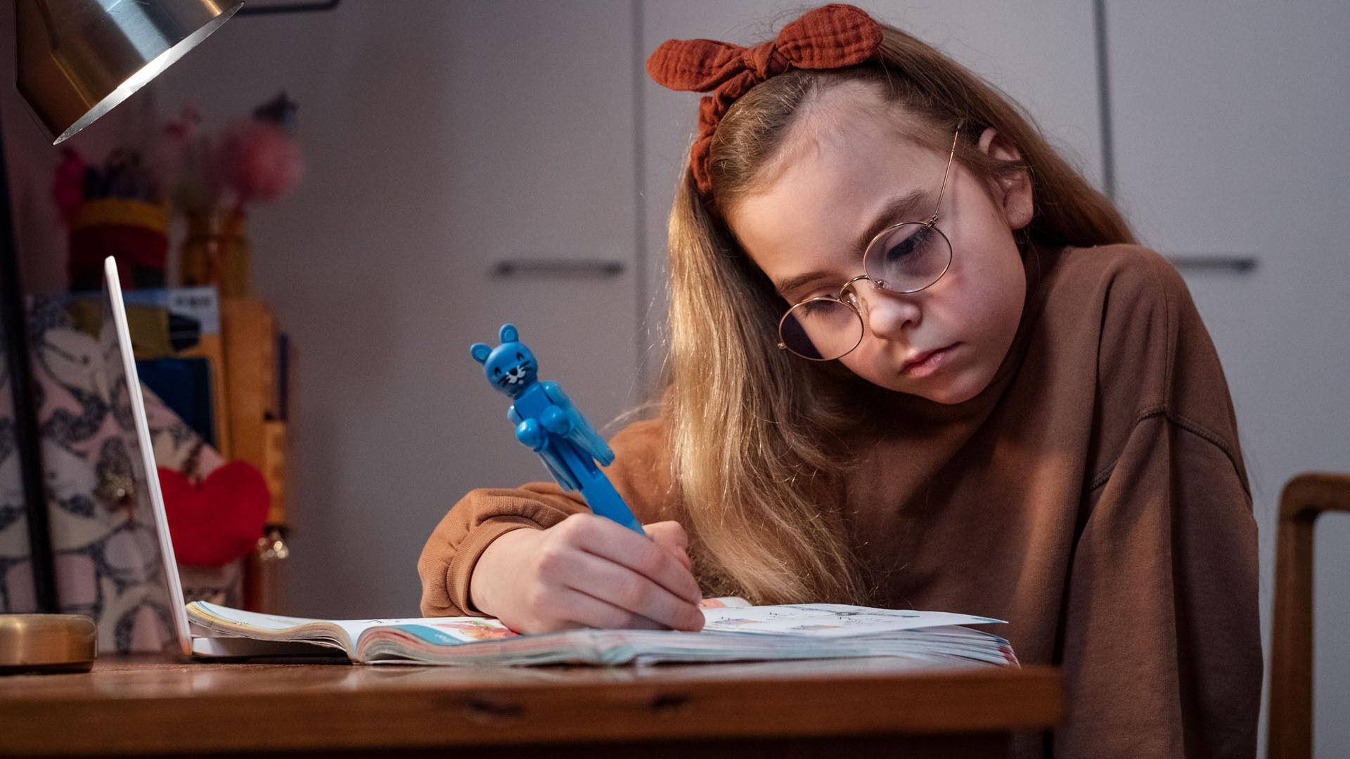 Silmälasit helpottavat lapsen koulunkäyntiä