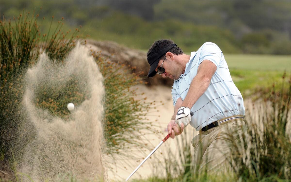 Naarmuuntumista ehkäisevä pinnoite suojaa linssejä bunkkereiden hiekalta.