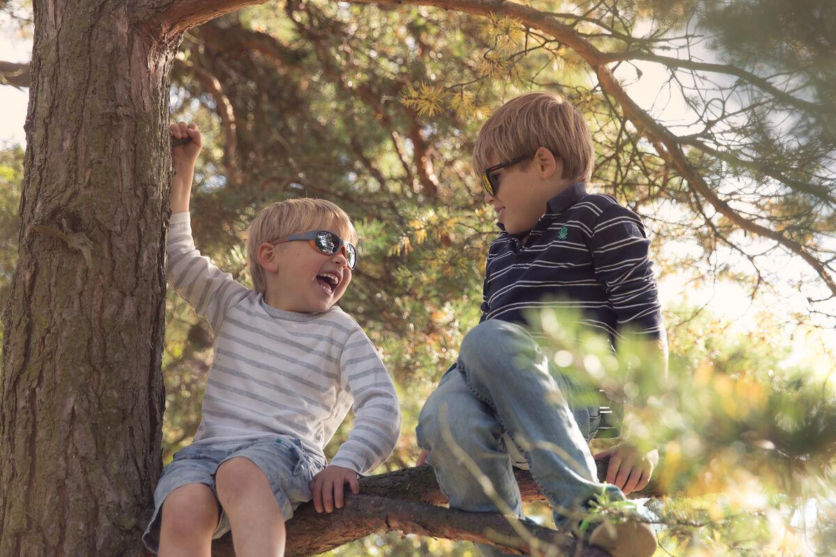 Lasten silmät ovat kuusi kertaa herkemmät UV-säteilylle kuin aikuisten.