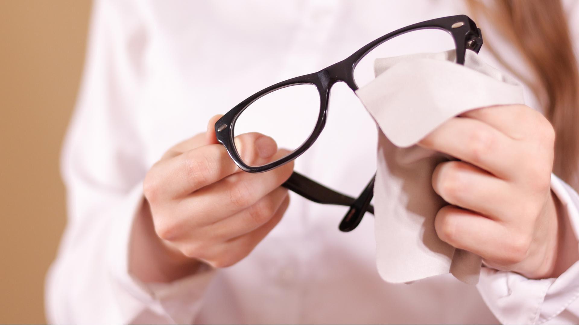 Silmälasien puhdistus ja huolto on helppoa näillä vinkeillä