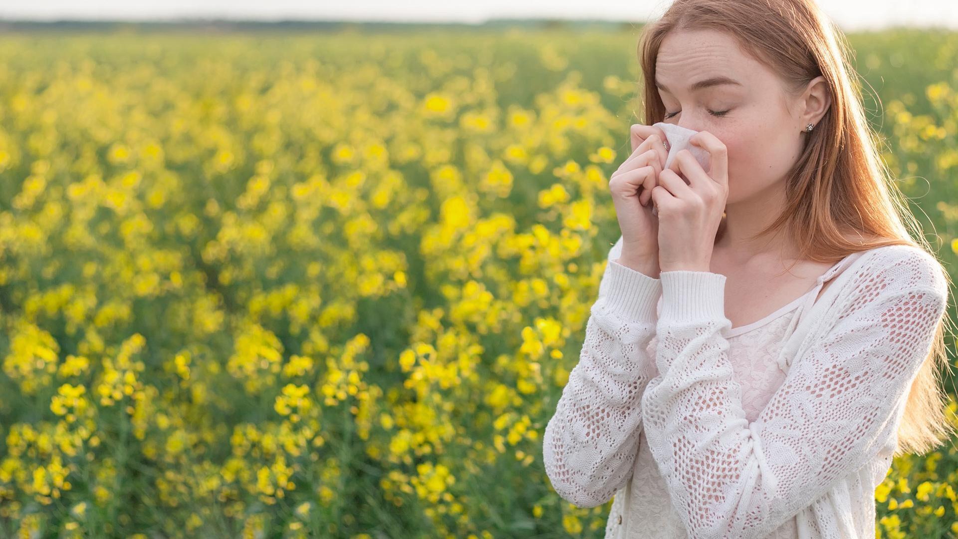 Näin tunnistat siitepölystä johtuvat allergiset silmäoireet ja hoidat niitä oikein